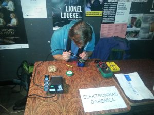 Elektronik-Reparatur
